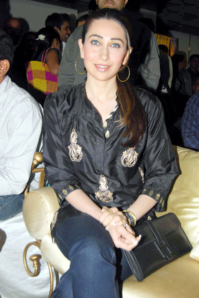 Karishma Kapoor Sexy Hot Photo