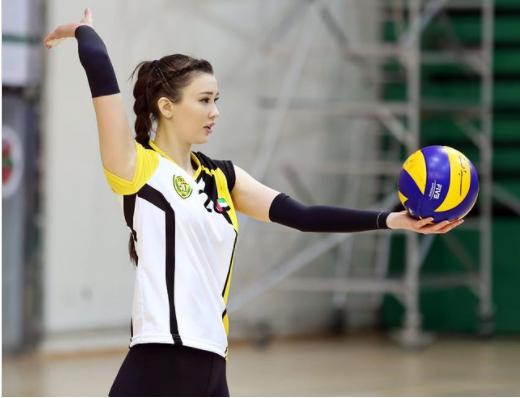 Sabina Altynbekova gia nhập CLB 1 triệu trên Instagram