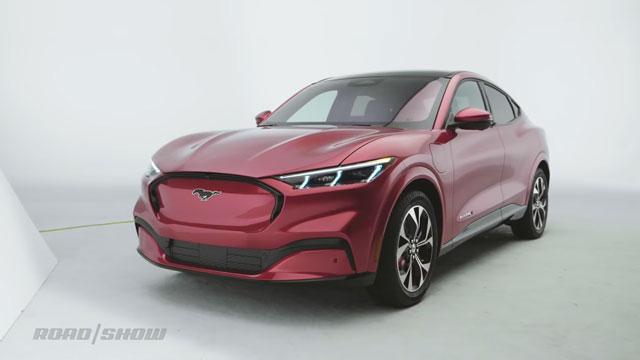 فورد تعلن عن مميزات وتاريخ اصدار سيارتها المرتقبة mach-E