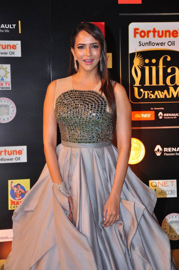 Manchu Lakshmi Hot Stills At IIFA Utsavam Awards
