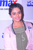 Sree Mukhi at Meet and Greet Session at Max Store, Banjara Hills, Hyderabad (21).JPG