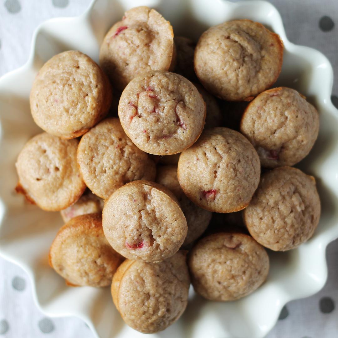 Strawberry Banana Smoothie Muffins