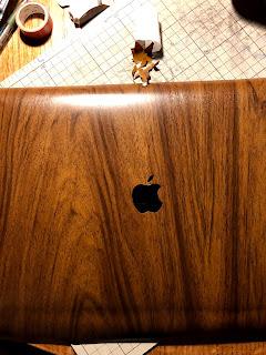 MacBookを木製風にDIY・作り方