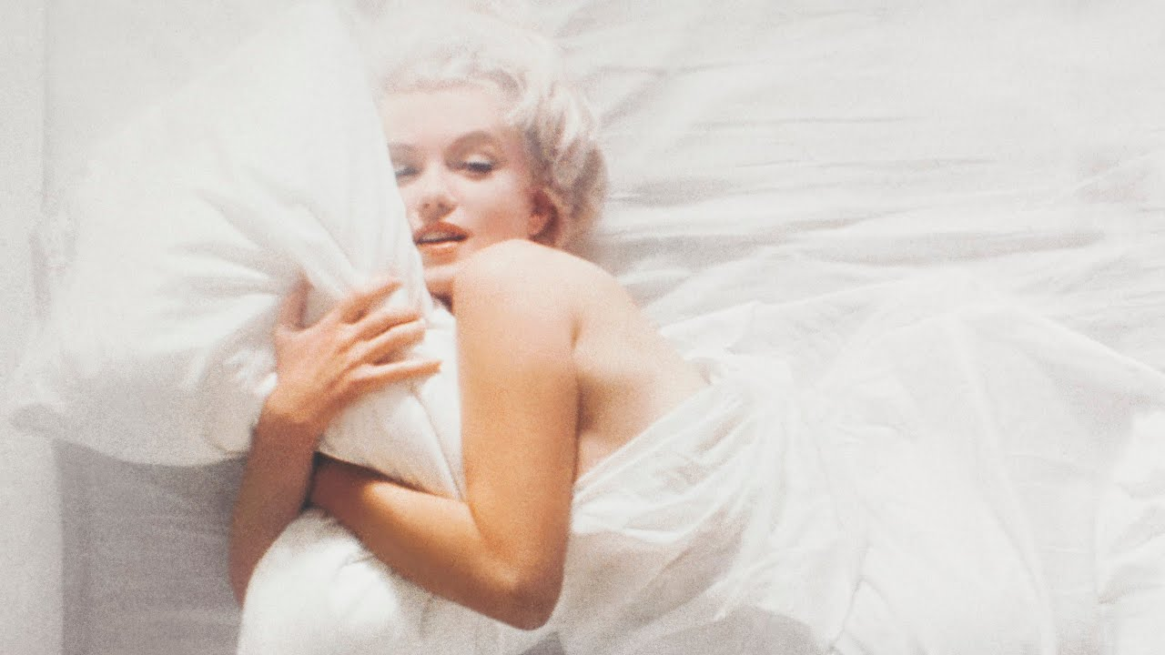 In Bed with Marilyn Monroe