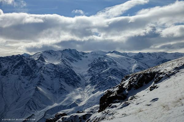 Вид на север от Кяпаза, на Муровдагский хребет и гору Гямыш