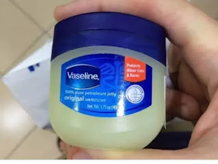 How to use turmeric and vaseline to cure pimple