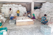 Kepolisian Wilayah NTB Gerebek Gudang Tepung Terigu Oplosan di Jalan Gora