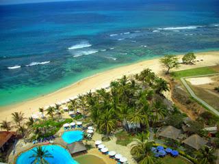 Hotel Yang Terdekat Dari Pantai Nusa Dua, Bali [Image by tempat.net],