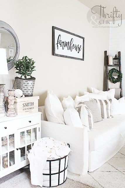 DIY Blanket Ladder for $5. Cute farmhouse decor and decorating ideas. Fixer upper style decor. White farmhouse living room ideas