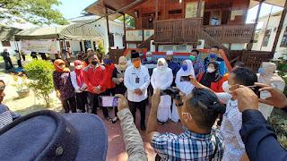 Ilyas : Alhamdulillah Keluarga Besar Disdik Sembelih 16 Ekor Hewan Qurban