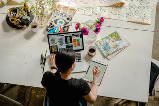 woman-in-writing-table