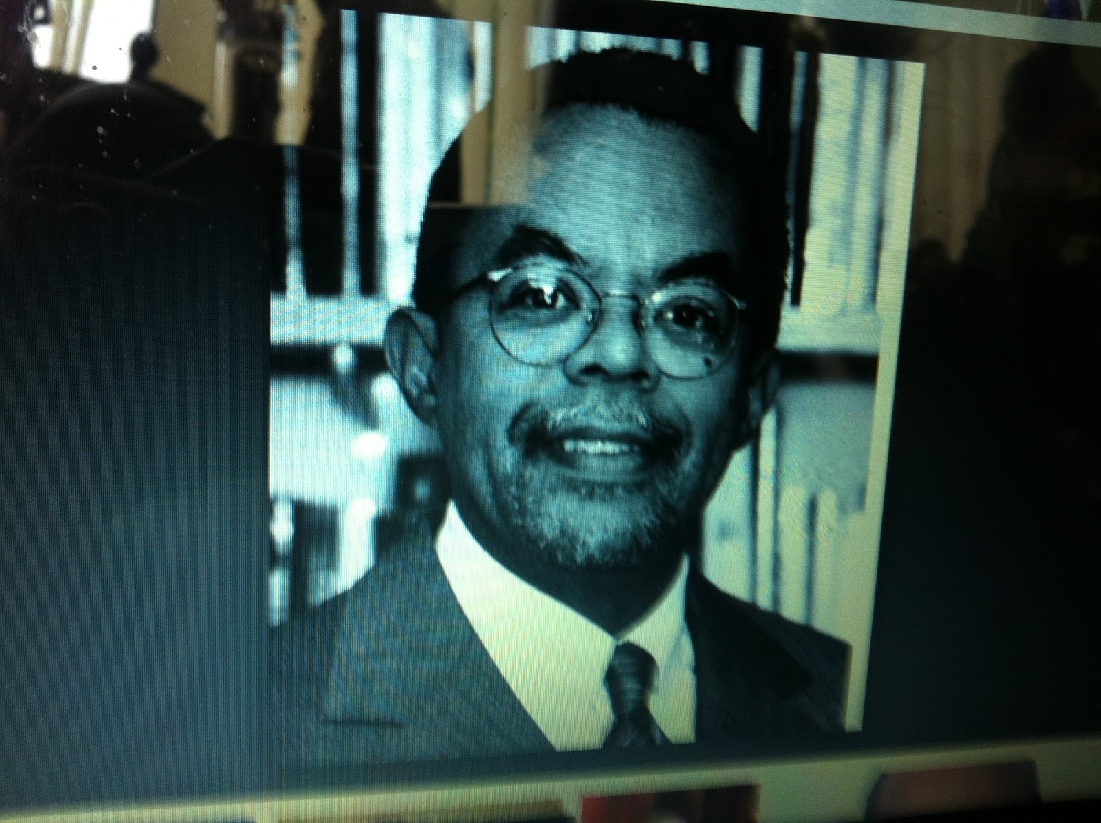 the life of henry l gates jr an american historian Gates was born in keyser, west virginia, to henry louis gates sr and his wife  pauline augusta (coleman) gates  he completed his ba degree in history at  yale college, summa cum laude the first african american to be awarded an  andrew w mellon foundation fellowship,.