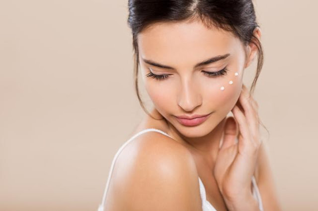Consejos para mantener tu rostro hidratado en verano