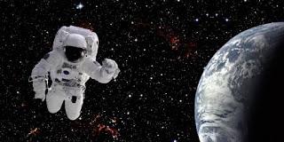 काला आसमान और अंतरिक्ष यात्री - Hindi365
