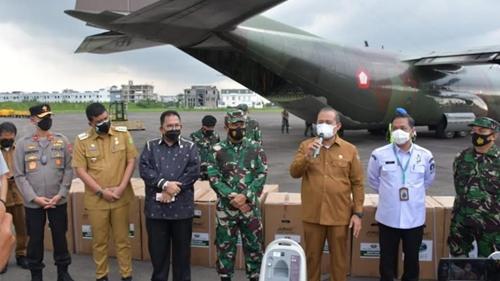 Kasdam I/BB Terima Bantuan Oksigen Concentator dari Panglima TNI