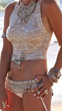 Boho-swimsuit-and-Jewelry-style