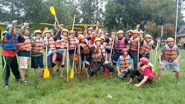 Harga Paket Arung Jeram Pangalengan Bandung Gravity Adventure Terbaik