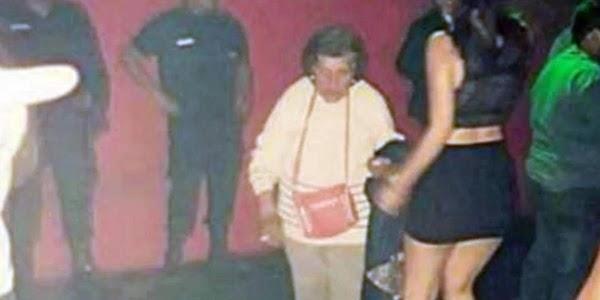 Abuela saca a su nieta del antro para que vaya a cuidar a su bebé