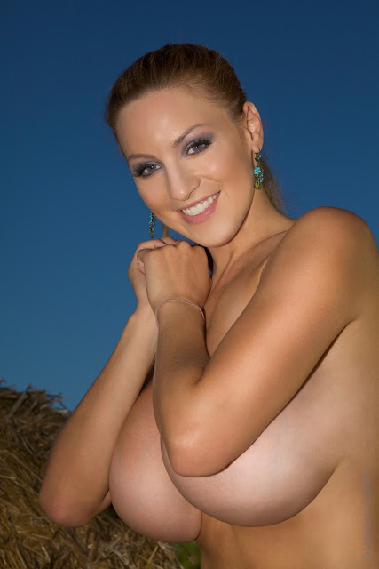 Jordan-Carver-Into-The-Blue-hot-sexy-photo-12