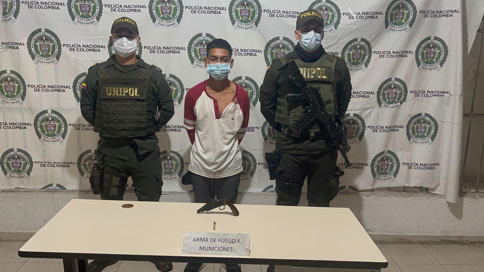 hoyennoticia.com, Le dieron una golpiza por robar en Altos de Pimienta