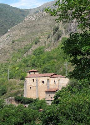 Iglesia de San Pedro en Anguiano. La Rioja