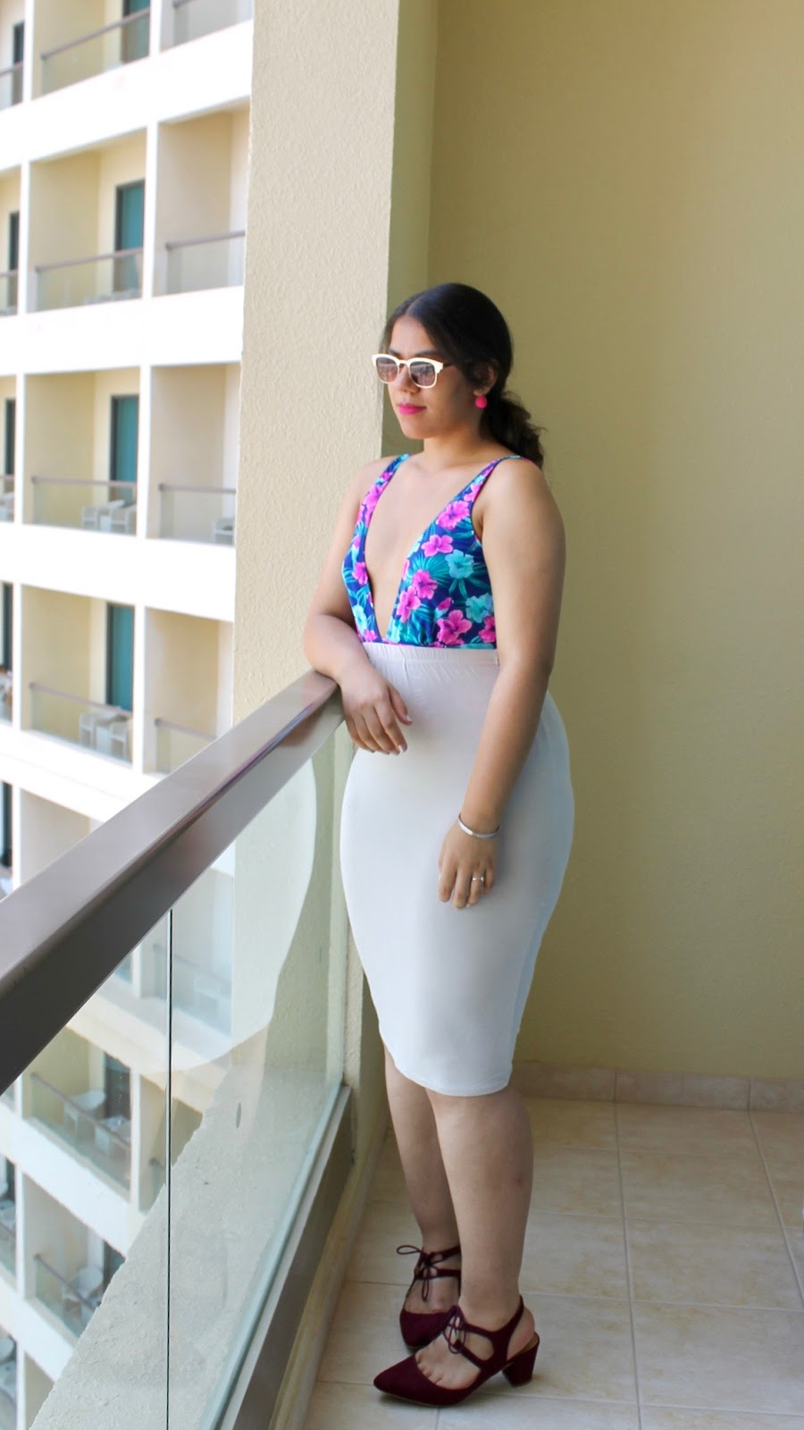 Dubai Floral and Cream Outfit Inspiration