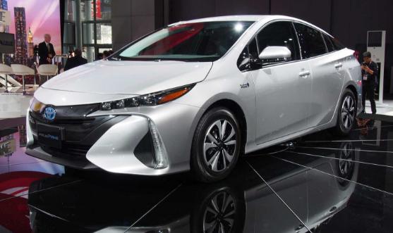 2018 Toyota Prius Prime Design