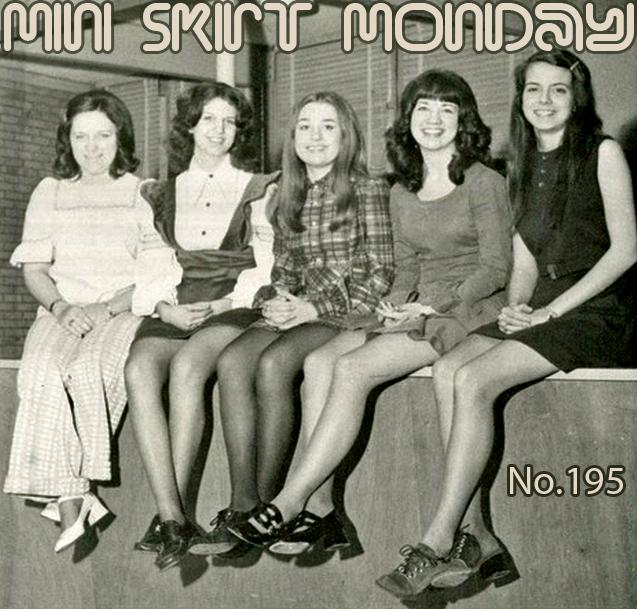 Retrospace: Mini Skirt Monday #195: Sitting Minis