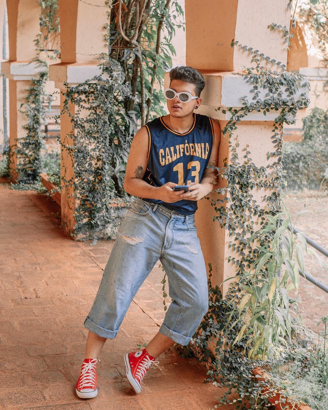 Look Masculino Retro Vintage com All Star Vermelho