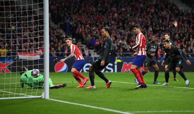 """Liverpool mơ ngược dòng cúp C1: Atletico lại """"cầm vàng để vàng rơi""""?"""
