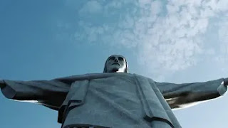 Explainer on the World of Colossal Statues