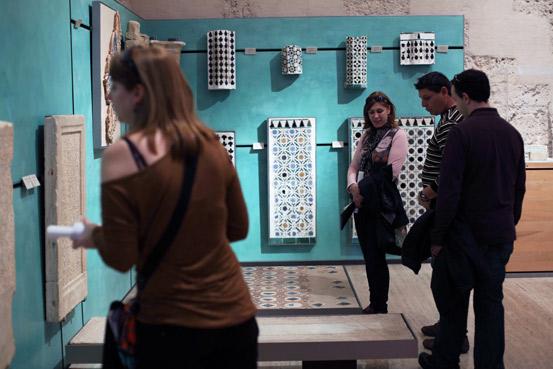 Descubre las visitas temáticas al Museo de la Alhambra