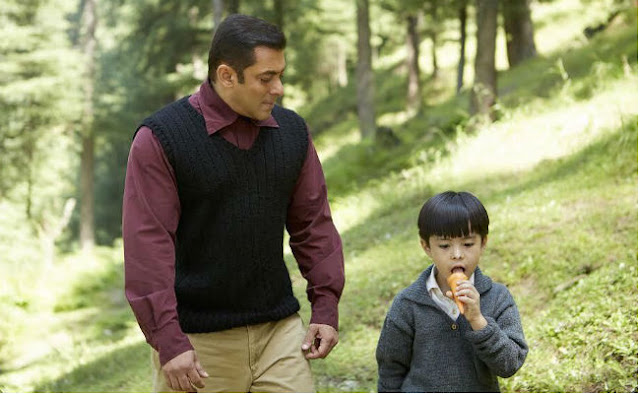 Tubelight Movie Review: Salman Khan and Matin Rey Tangu in a film still