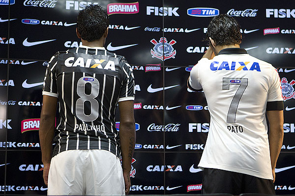 Corinthians will wear their new kits in the Copa Libertadores this  wednesday. Four days later they will be playing for the first time in the  new 2013 Away ... 0c52e409d