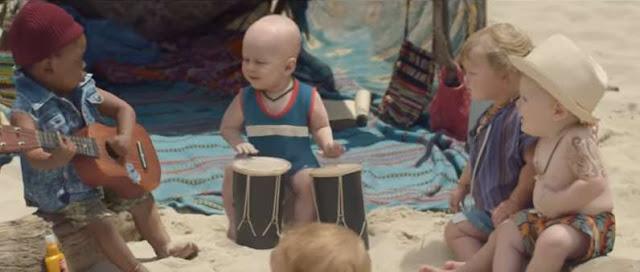reclama amuzanta cu bebelusi la apa minerala evian