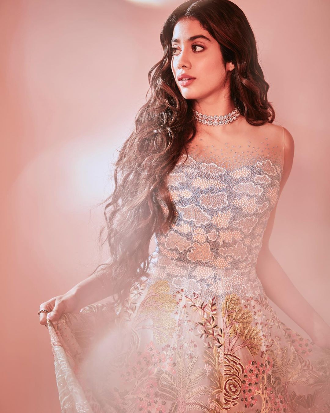 Bollywood actress jhanvi kapoor photo gallery