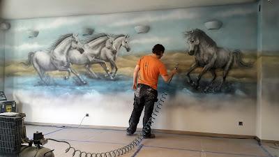 Malowanie obrazu konie w galopie, obraz na ścianę