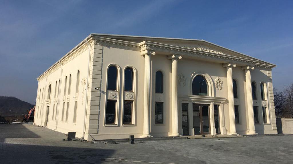 Salon de evenimente coloane, nuti, botezuri, cumetri in onesti - Salon Alexander