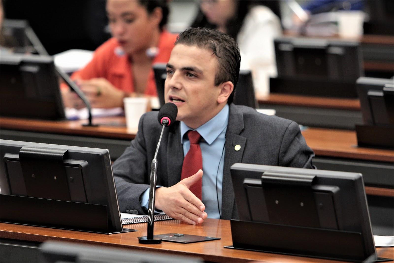 """""""A fala do ministro Paulo Guedes tira a esperança das pessoas"""", afirma Aliel"""