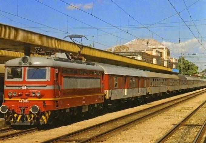 Бежанци вдигат скандал във влак в Пловдив, помислили, че са стигнали в Германия