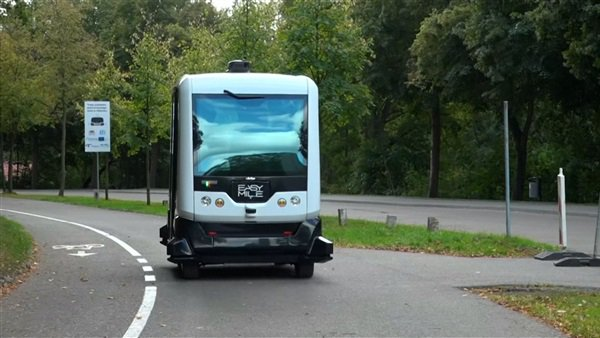 حافلات دون سائق تجوب شوارع هولندا لأول مرة