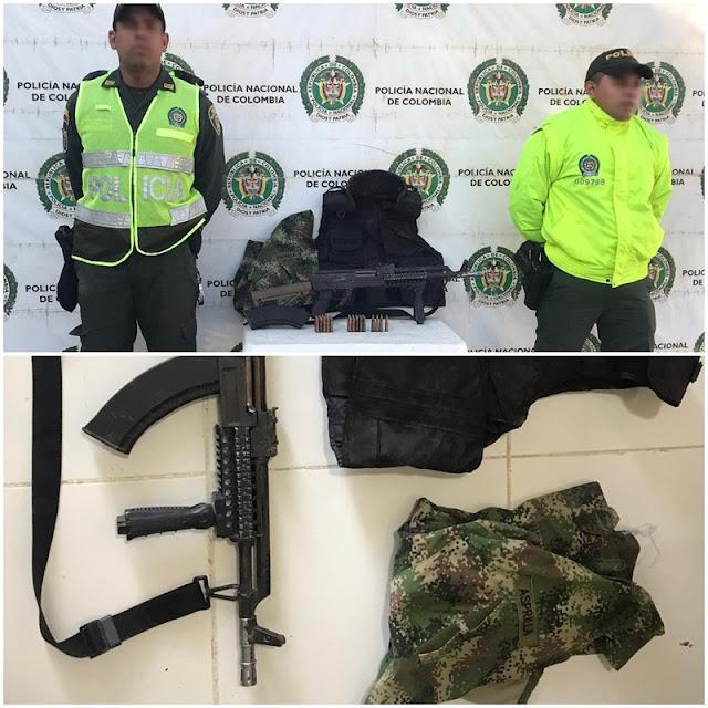 En Uribia hallan un fusil con 27 cartuchos 7.62, un chaleco antibalas y prendas privativas del Ejército