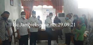 Anak Perusahaan PT Astra Group Jambi Berikan Bansos Sebanyak 300 Paket Bagi Masyarakat Kota Jambi Penyandang Disabilitas Terkena Pañdemi Covid-19.