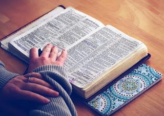 10 Sugestões de como estudar a Bíblia diariamente.