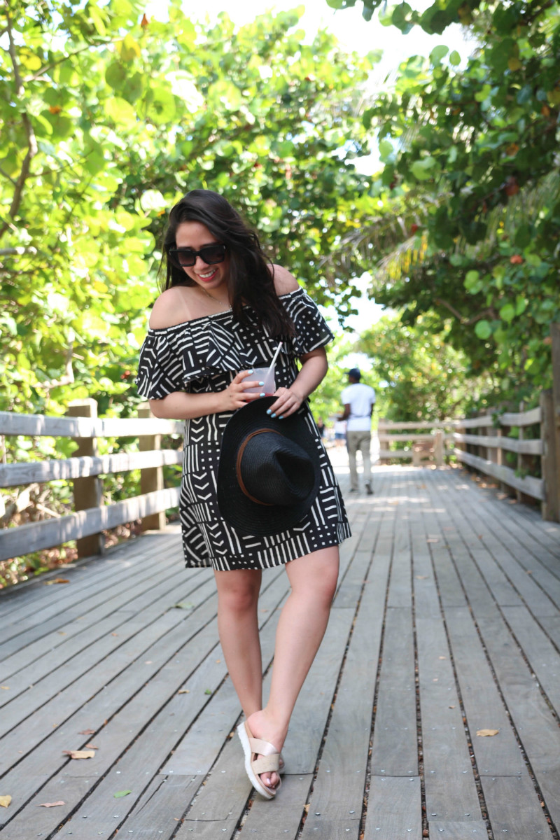 Madewell Rio Cover-Up Dress Live Laugh Linda Quinones - Beach Days Cover Up styled by popular New York fashion blogger Live Laugh Linda