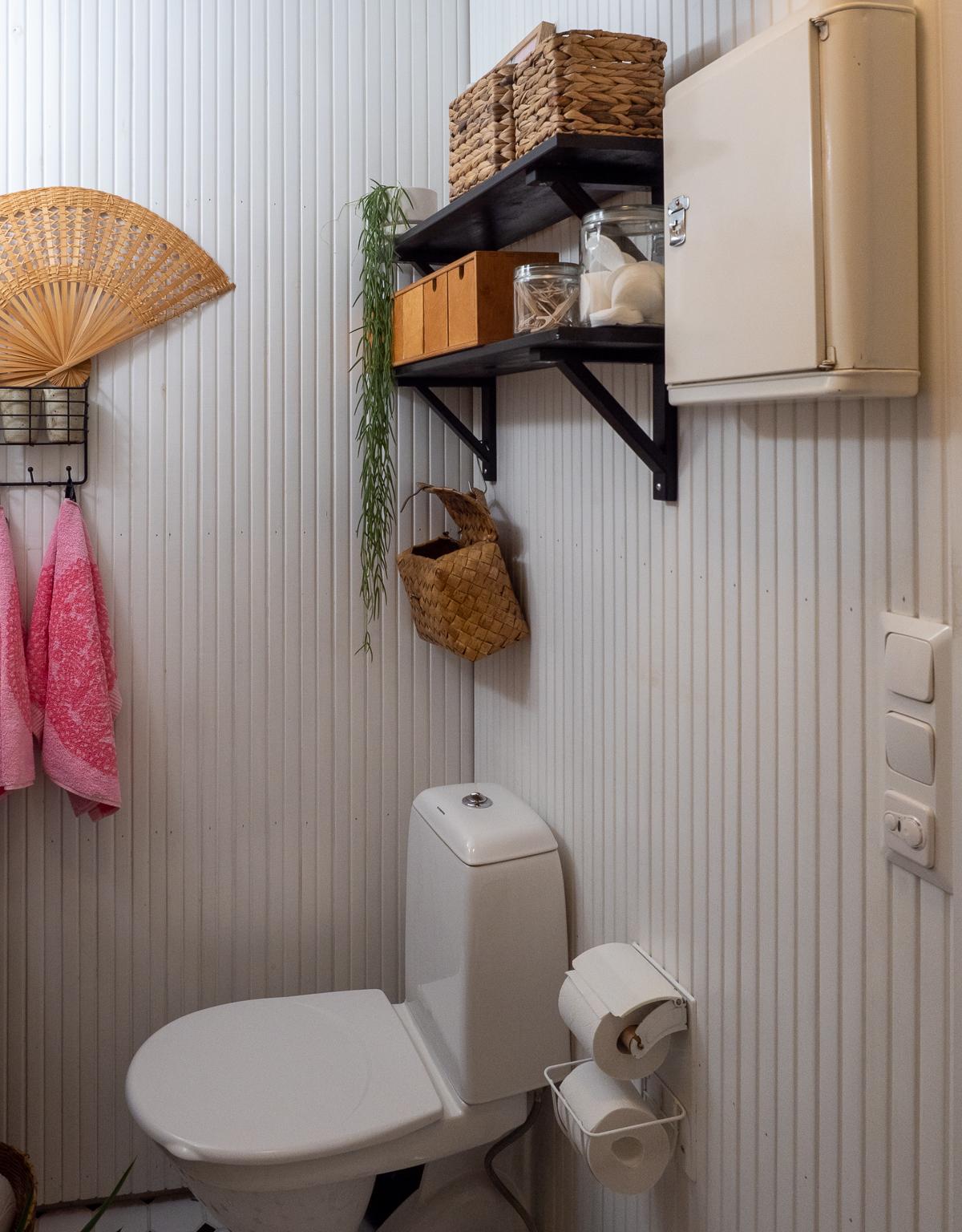 pienen kylpyhuoneen säilytysratkaisut