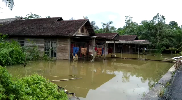 [Opini] Kaleidoskop Tanah Bumbu, Berlebaran Bersama Banjir; 'Banyunya Lalu Haja'