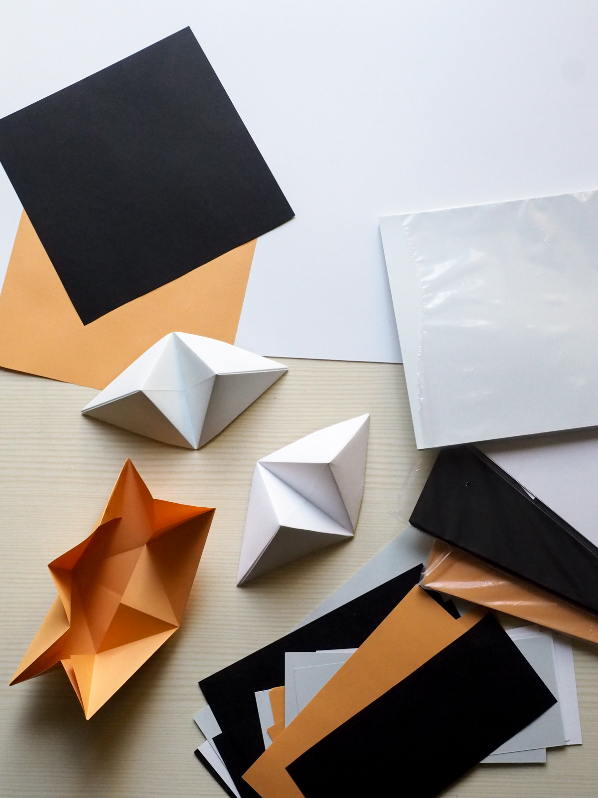 origami pyramidi
