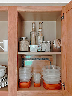 Tips On How To Organize A Tiny Pantry - Being Ecomomical