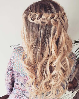 Looking for a classy braided idea that is easy to wear 24+ Simple Half Down Braids Hairstyles With Weave For Medium Hair To Copy In 2019